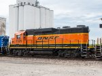 BNSF 2525 trails on a manifest