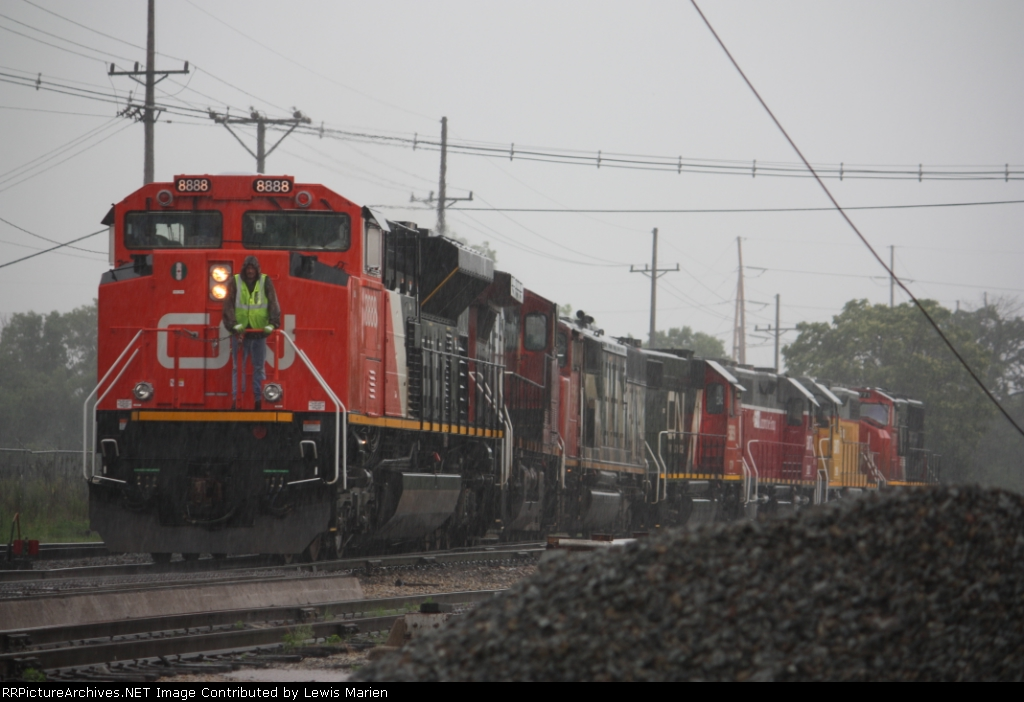 CN 8888, A43171-30's consist heading for the diesel pit at the Decatur Yard