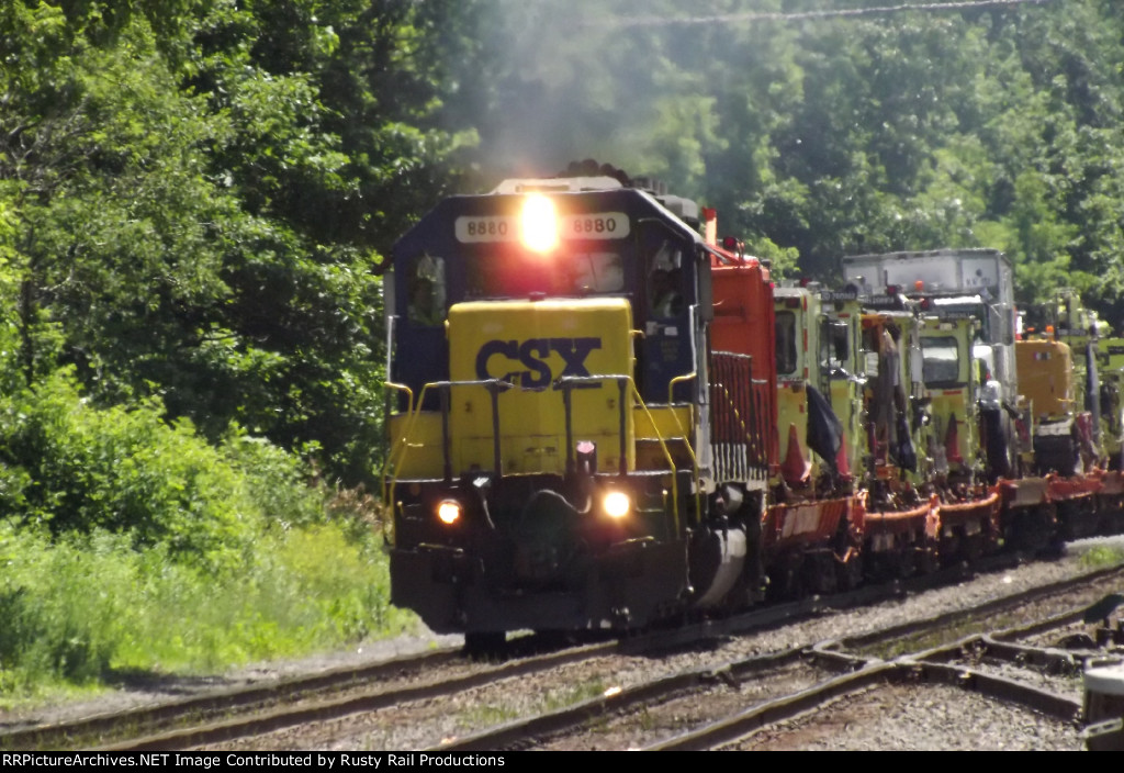 CSX Rail Gang on the move